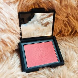 NARS blush in Goulue